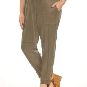 1.State Artist Cropped Twill Jogger Pants Olive Lg